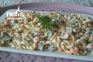 Renkli Makarna Salatası Tarifi