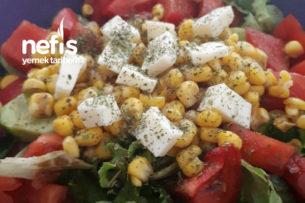 Naneli Kaşarlı Yaz Salatası Tarifi