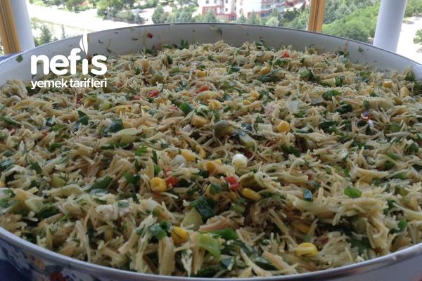 Tel Şehriyeli Yaz Salatası Tarifi
