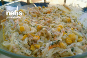 Erişte Salatası (Yedikçe Yedirten) Tarifi