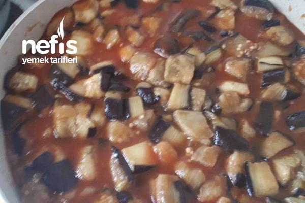 Etli Patlıcanlı Nefis Bir Ana Yemek Tarifi
