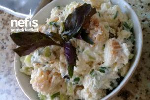 Yoğurtlu Yaz Salatası Bayat Ekmekle Tarifi