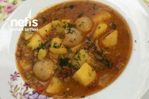 Sulu Patates Yemeği (Bezelyeli Arpacık Soğanlı Etli) Tarifi