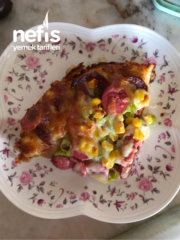 Bol Malzemos Pizza (hazırları Aratmayan Tarif)