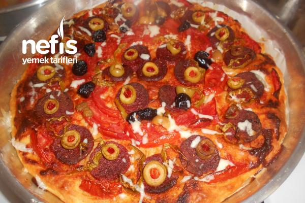 Ev Yapımı Yumurtalı Pizza Tarifi