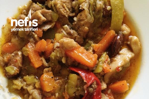 Yedikçe Yediren Sebzeli Tavuk Yemeği Tarifi