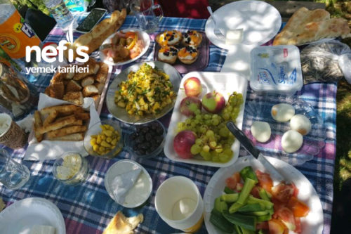 Piknikte Kahvaltı Keyfi Tarifi