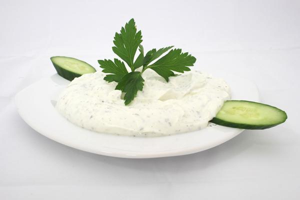 yoğurtlu salatalık kaç kalori