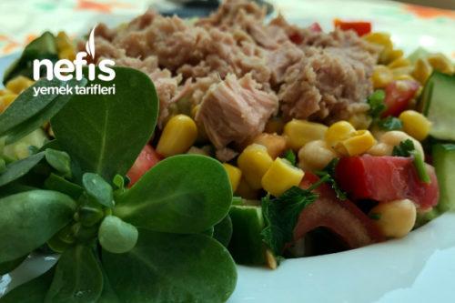 Ton Balıklı Salata (Protein Deposu) Tarifi