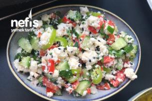 Kahvaltıda Lor Peyniri Salatası Tarifi