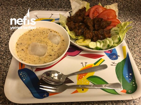 Yoğurtlu Nohutlu Erişte Çorbası