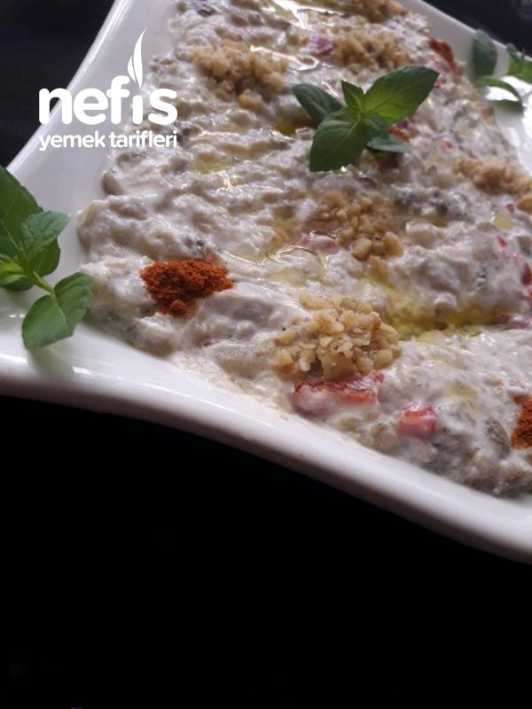 Kahvaltılık Köz Patlıcan Ve Biber Salatası