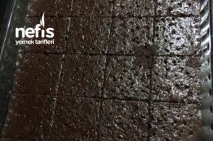 Hafif Yumuşacık Sünger Islak Browni Kek Tarifi