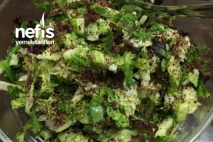 Ekşili Yeşil Salata Tarifi