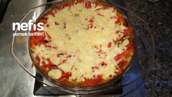 Mayalı Poğaçadan 5 Dakikada Pizza Yapma