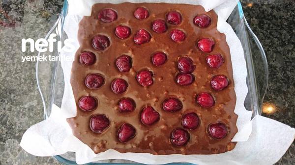 Vişneli Cevizli Brownie