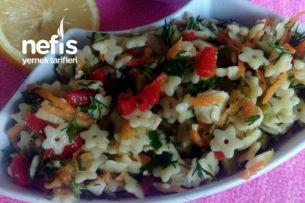 Lezzetli Şehriye Salatası (Özel Günlerin Vazgeçilmezi Olacak) Tarifi