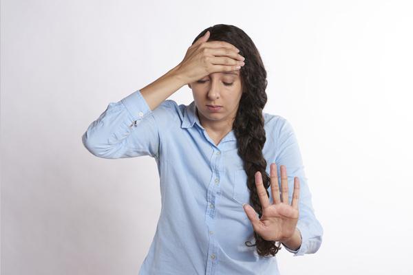 tansiyon düşüklüğü baş ağrısı yapar mı