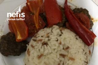 Sebzeli ( Domates-Biber ) Et Köfte Tarifi