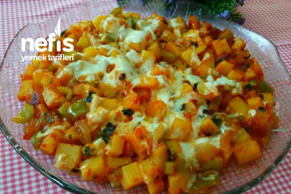 Nefis Kahvaltılık Kaşarlı Patates Kavurması Tarifi