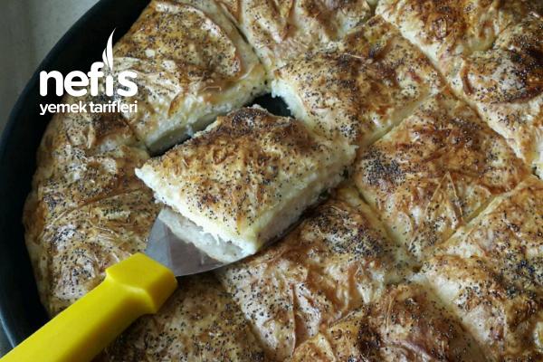 Kendini Kek Sanan Hazır Yufka Böreği Tarifi