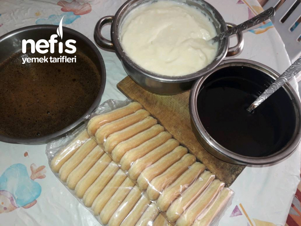 Kedidilli Hindistan Cevizli Pasta