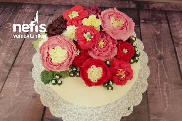 Motivli Kremalı Çiçekli Pasta (Basic Pasta) Tarifi