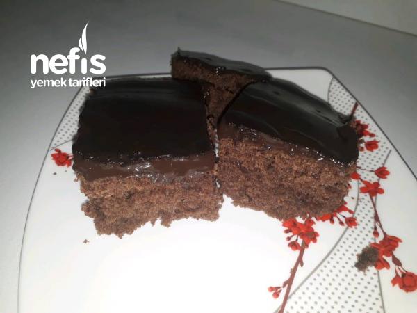 Çikolata Soslu Browni Kek