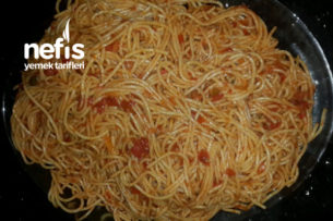 Salçalı Makarna (Spaghetti) Tarifi