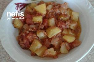 Fırında (Pratik) Kıymalı Patates Yemeği Tarifi