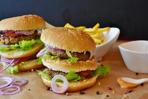 hamburger menü kaç kalori