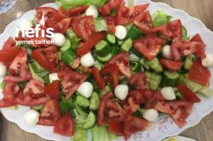 Süt Damlalı Mevsim Salatası Tarifi