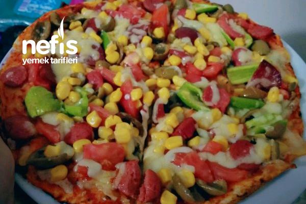 Üşengeç Pizza (Lavaştan) Tarifi