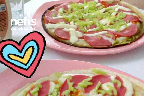 Hafif Lavaş Pizza Tarifi