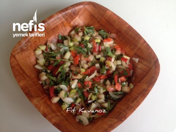 Köz Biberli Fit Karpuz Kabuğu Salatası Tarifi (isterseniz De Naneli!)