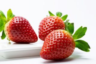 Çilek Kaç Kalori? Besin Değerleri Tarifi