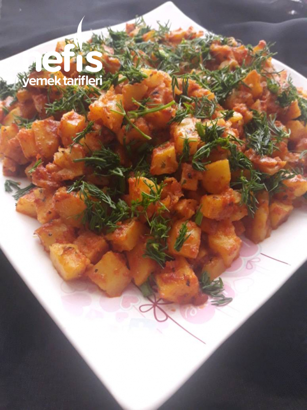 Kahvaltıya Salçalı Patates Kavurması