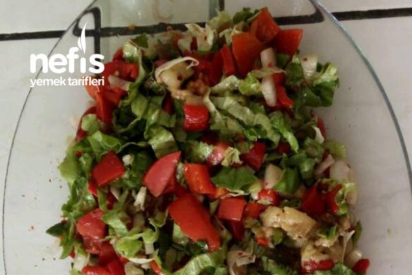 Yağ Biberi Ve Köz Patlıcan Salatası Tarifi