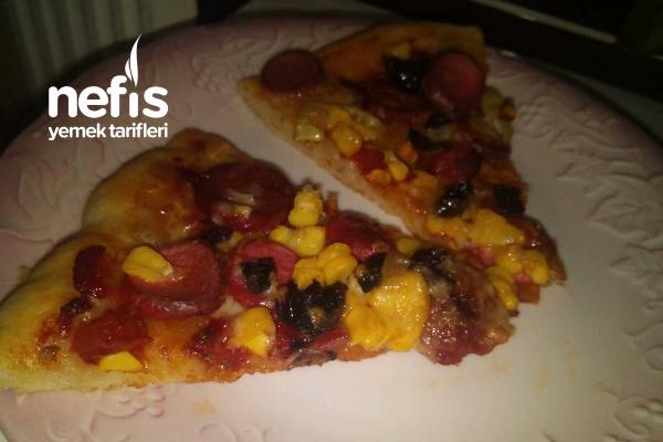 Karışık Kolay Pizza Tarifi