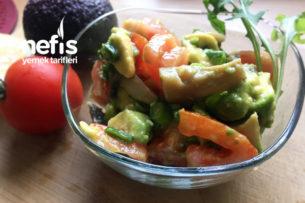 Mantarlı Avokado Salatası Tarifi
