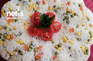 Sebzeli Pilav (Görüntüsü İştah Açan) Tarifi