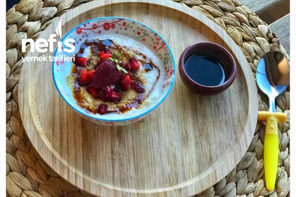 Ruşeymli Çilekli Yoğurt (  12 ay) Tarifi