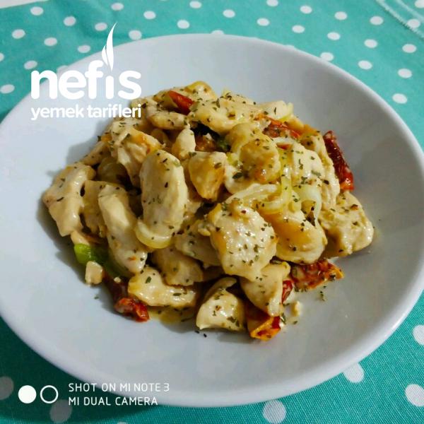Parmesanlı Kekikli Kremalı Tavuk