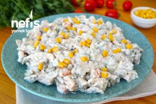 Tavuklu Garnitürlü Muhteşem Salata Yapımı (videolu) Tarifi