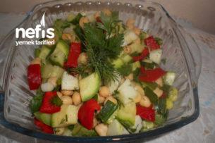 Yeşil Elmalı Nohutlu Kabak Salatası Tarifi