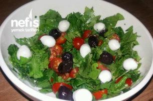 Nefis Roka Ve Maydanoz Salatası Tarifi