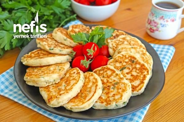 Kahvaltılık Peynirli Pankek (videolu) Tarifi