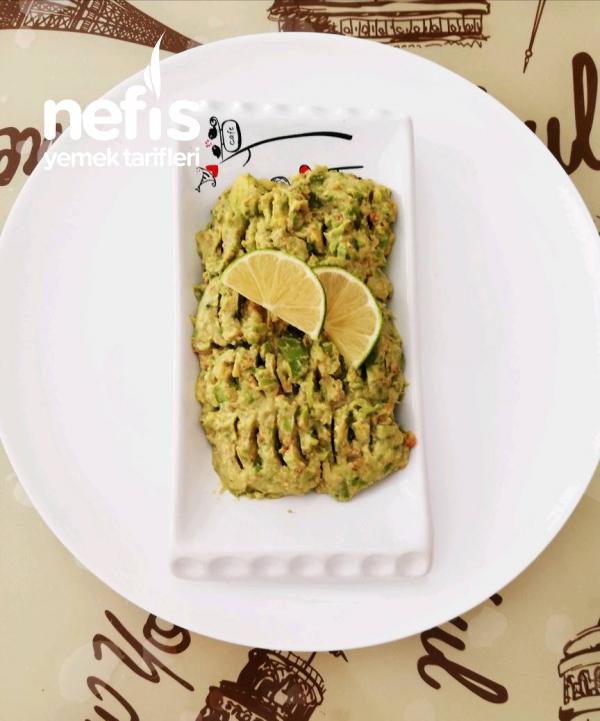 Avokado Salatası (meze)