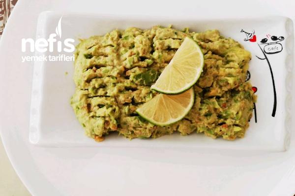 Avokado Salatası (Meze) Tarifi