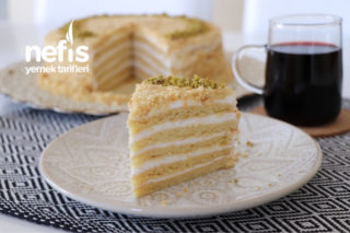 En Kolay Medovik Pasta (Marlenka) Tarifi